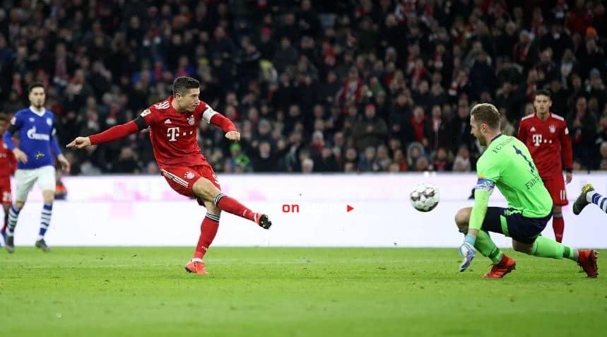 Lewandowski Destroyed Schalke 04