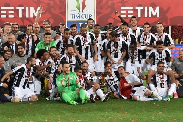 Juventus players have agreed to take a collective pay cut, saving the club around €90m