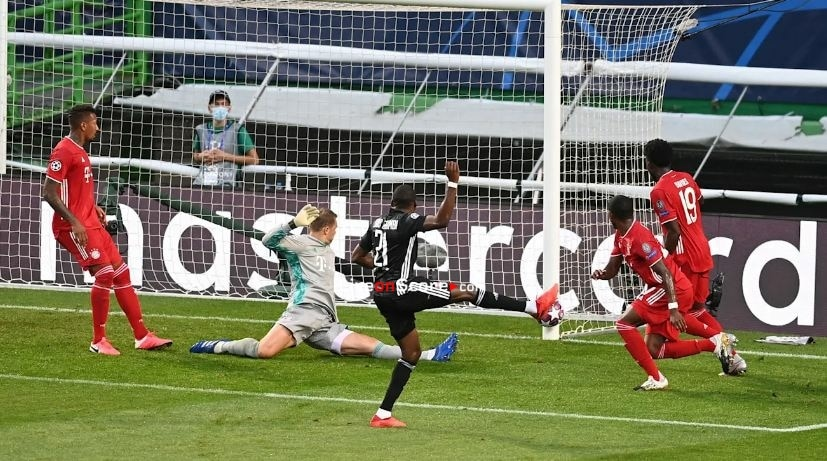 Neuer reaffirms his world class status against Lyon